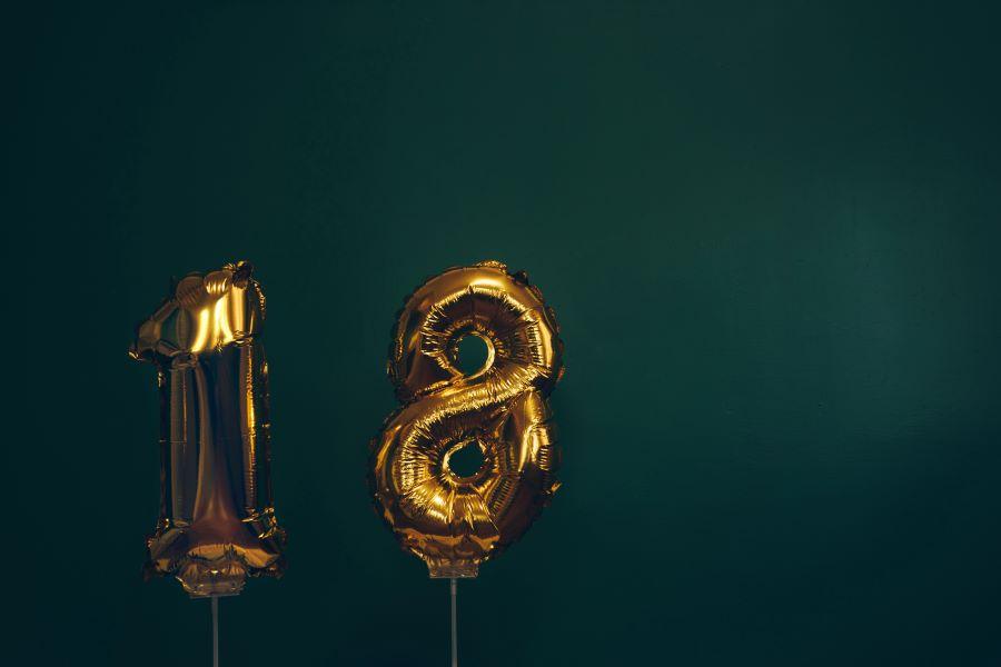 Come festeggiare il tuo diciottesimo compleanno in maniera originale