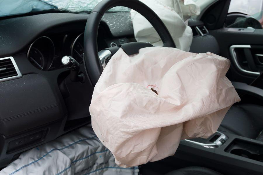 Hai avuto un incidente e devi sostituire l'airbag? Rivolgiti a M.G Autocarrozzeria