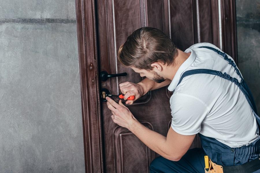 Porta o serratura bloccate? ecco il servizio di pronto intervento a Varese che fa per te